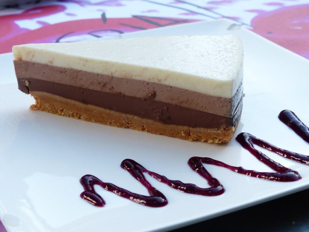 Receta de tarta de tres chocolates súper fácil