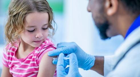Consecuencias y secuelas de la vacuna del Covid 19 para niños